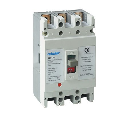 OM1 Moulded Case Circuit Breaker (MCCB)